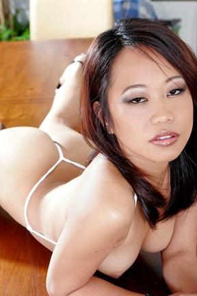 смотреть порно с азиаткой короткой стрижкой